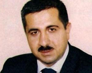 """<b>Etibar Hüseynov """"AZAL"""" prezidentini yıxdı-sürüdü</b>"""