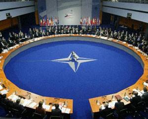 NATO-nun baş katibindən hərbi mesajlar