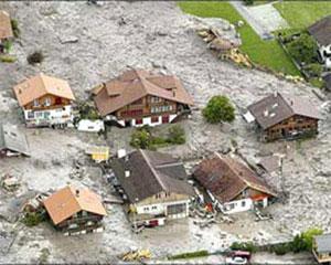 <b>Sel rayonları basdı, 18 ev su altında qaldı</b>