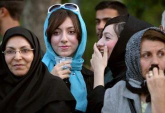 <b>İranda lap ağını çıxardıblar </b>