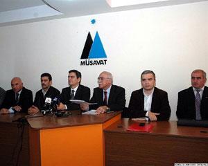 <b>Sabah Azərbaycan müxalifəti bir araya gəlir</b>