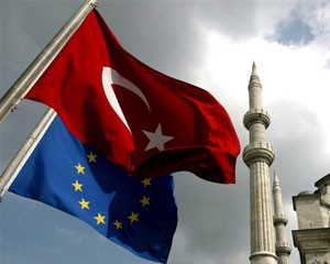 <b>Türkiyə Avropa Birliyini hədələdi</b>