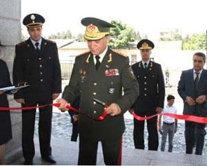 Ramil Usubov qırmızı lenti kəsdi