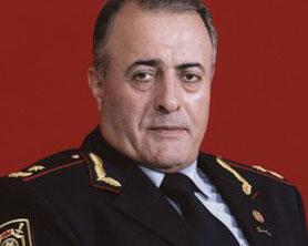 """<b>Generalın şeirləri - <font color=red>""""Qafqazinfo""""da</b></font>"""