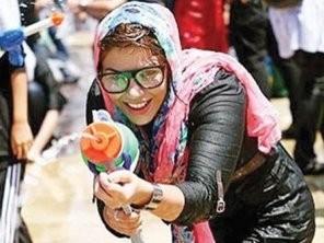Tehranda qadınlarla kişilərin su savaşı- <font color=red>Fotosessiya</font>