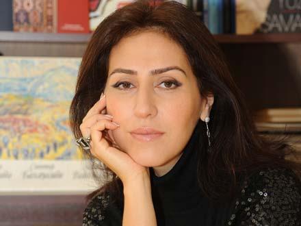 <b>Azəri qızı Günel nişanlısı ilə kurorta gedir</b>