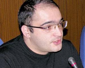 <b>Eynulla Fətullayev fəaliyyətini rəsmən elan etdi -<font color=red> Təqdimat</b></font>