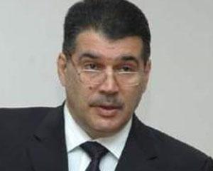 <b>Elşad Abdullayev xaricə qaçmadığını iddia edir</b>