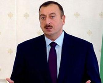 <b>Azərbaycan prezidenti Medvedevi təbrik edib</b>