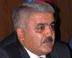 <b>Rövnəq Abdullayev geri çəkildi</b>