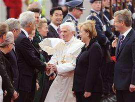 <b>Roma Papası müsəlmanların lideri ilə görüşdü</b>