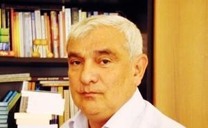 <b>Kamal Abdullanı Xorla tərifləmək</b>
