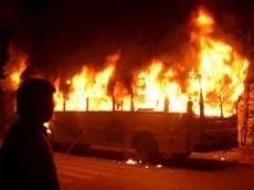 <b>Paytaxtda sərnişin avtobusu yandı</b>