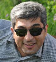 """<b>Şahbaz Xuduoğlu, """"Ətriyyatçı"""" erotikadı? </b>"""