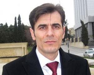 <b>Elxan Şükürlü Ədalətdən istefa verdi</b>