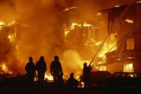 Yaşayış binasının zirzəmisi yandı