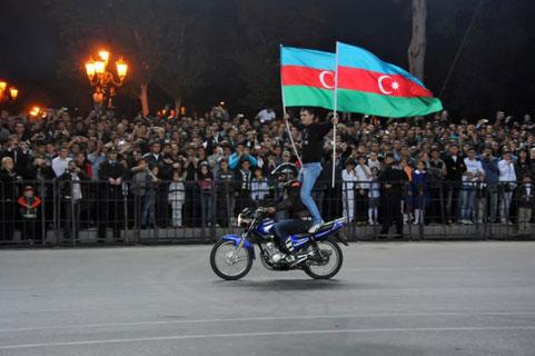 Bakıda möhtəşəm motosikilet şousu <font color=red>- Fotosessiya</font>