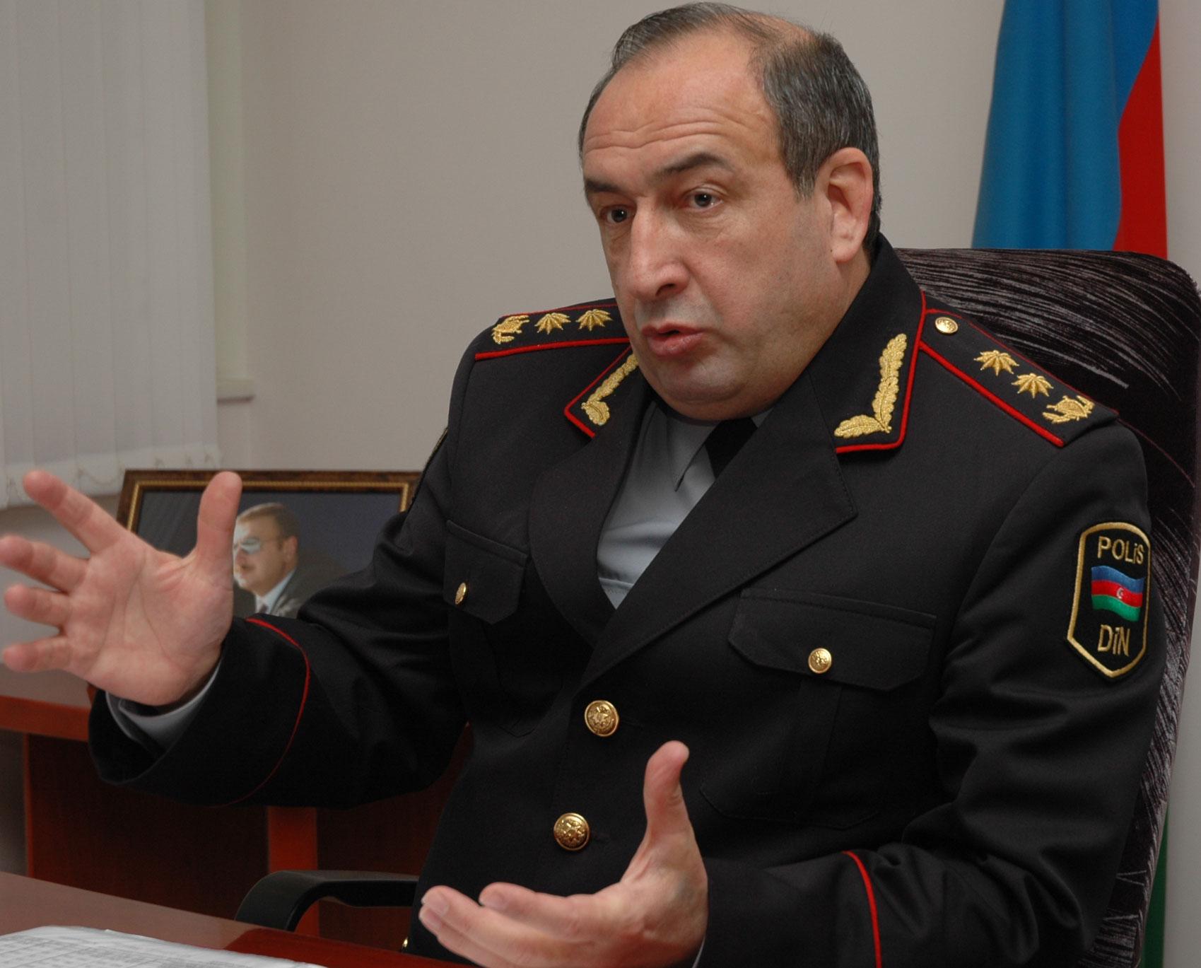 <b>General rütbəli əsgər - <font color=red>Məhərrəm Əliyev </b></font>