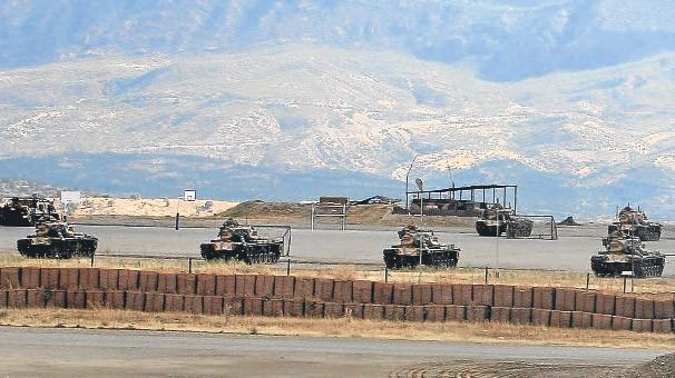 <b>Türkiyə tankları İraqa girdi</b>