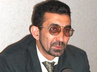 B Qənimət Zahid Azərbaycana Qayitdi B