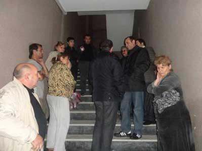 <b>Siyasi məhbusun evi yandırıldı</b>