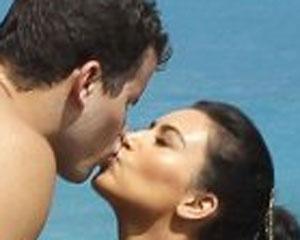 <b>Kim Kardaşyan boşanır - <font color=red>Fotolar</b></font>