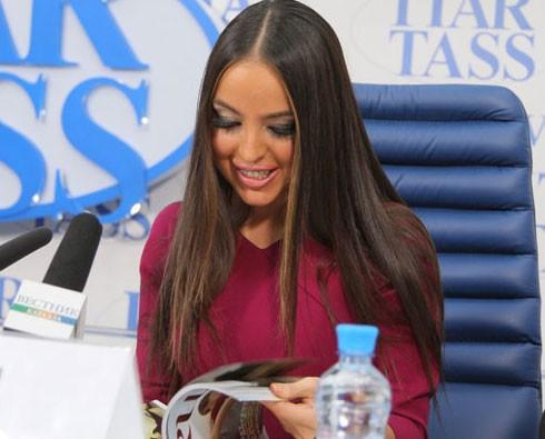 <b>Leyla Əliyeva təqdimat elədi -<font color=red> Fotolar</b></font>