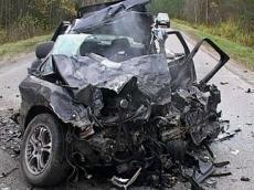 <b>Dəhşətli avtomobil qəzası, 5 yaşlı qız öldü</b>