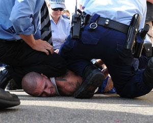 Polis Bakı oğrularını tutdu