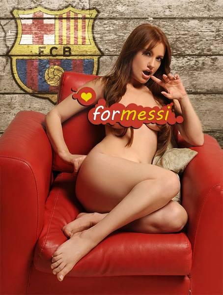 Türkiyəli müğənni Messi üçün soyundu –<font color=red> Foto</font>