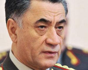 <b>Ramil Usubov həmkarlarına tapança çıxaran polisi işdən qovdu</b>