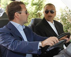<b>İlham Əliyev Putin və Medvedevi təbrik etdi</b>