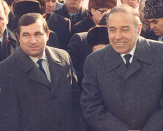 """<b> """"Heç kəs Heydər Əliyev haqqında bunları bilmir"""" –<font color=red> Mühafizəçi </b></font>"""