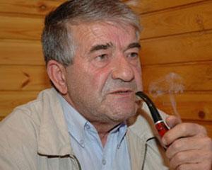 """<b>""""Qara kağız gəldi Dubaydan bizə""""- <font color=red>Yeni şeirlər </b></font>"""