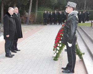 Eldar Mahmudov gürcü kəşfiyyatçıları ilə görüşdü