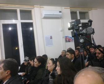 <b>Rəsul Quliyevin tərəfdarları inqilabdan danışdılar <font color=red>- Fotolar</b></font>