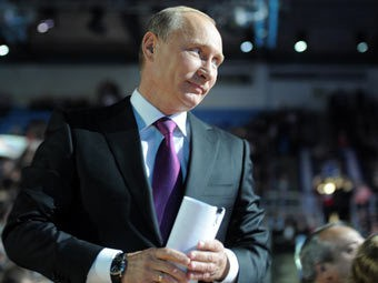 Putin internet müzakirələri təklif etdi