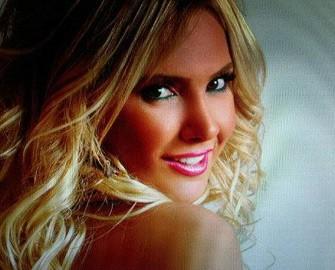 <b>Facebookda məşhurların profil şəkilləri – <font color=red>Fotosessiya </b></font>