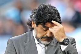 Maradonanın başı yenə qalmaqaldadır