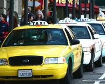 <b>Taksi sürücüləri etiraza qalxdılar</b>
