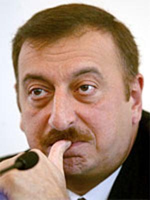 <b>İlham Əliyev Rauf Denktaşın ölümü ilə bağlı başsağlığı verib</b>