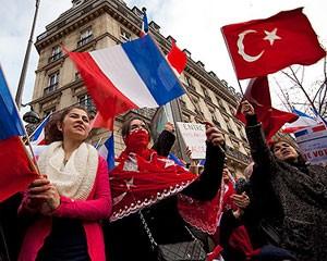 """<b>Fransa Türkiyədən imtina etdi-  <font color=red>Senat """"erməni soyırımı""""nı qəbul etdi</b></font>"""