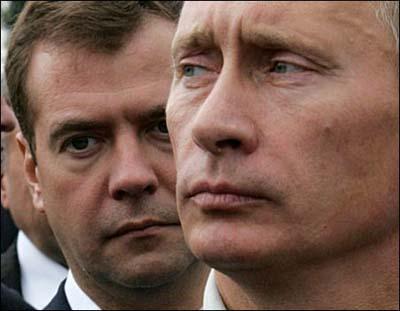 <b>Putin Medvedyevi tənqid etdi</b>