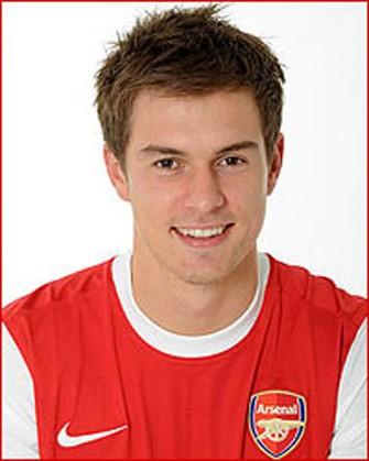 """<b>""""Arsenal""""ın futbolçusu qol vurur, məşhurlar ölürlər </b>"""