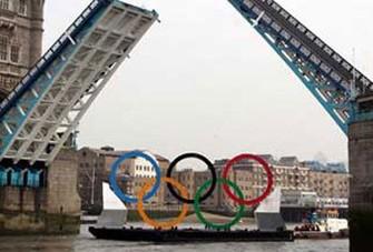 <b>Olimpiya halqaları Temza çayına endirildi</b>
