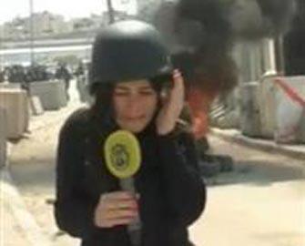 <b>Jurnalistə canlı yayımda bomba atdılar </b>