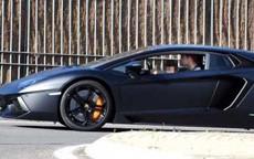 <b>Ronaldo Lamborghini ilə avtoşluq etdi - <font color=red>Fotosessiya</b></font>