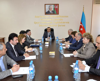 <b>Azay Quliyev yenidən sədr seçildi  </b>