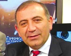 <b>CHP-nin sədr müavinin istefası qəbul edildi</b>