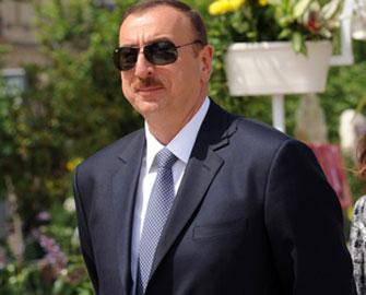 <b>İlham Əliyev İrana gedir</b>